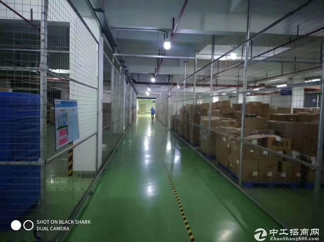 龙岗平湖富民工业区楼上1900平方米简单装修厂房仓库出租