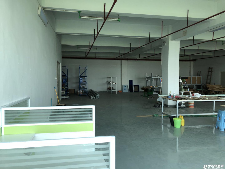 坪山  大工业区楼上  2000平精装修红本厂房出租,带5吨电梯-图3