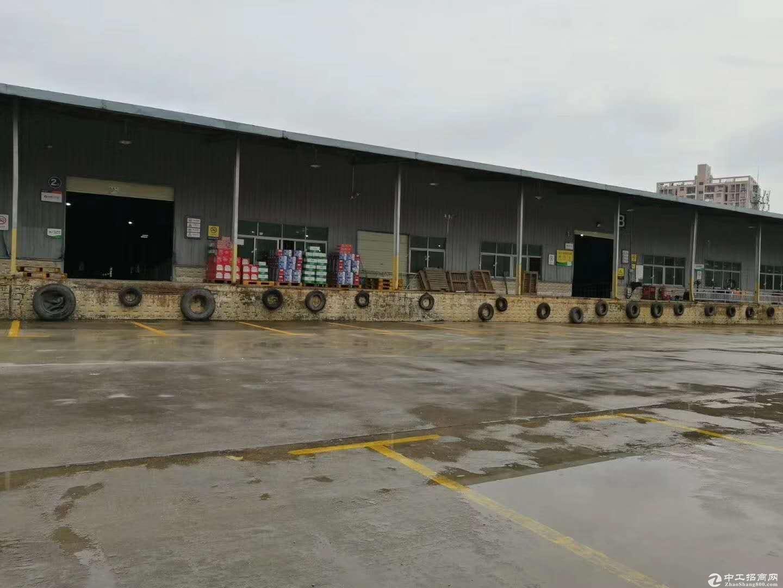 石岩沈海高速出口单一层17000仓库出租带卸货平