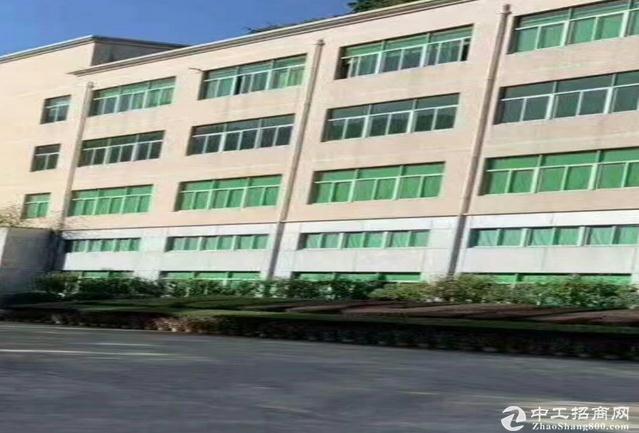 布吉大芬地铁站附近工业区3万平红本厂房出租200分租仓库出租可分租