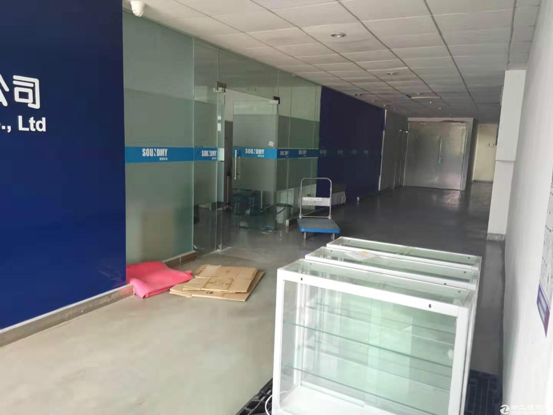 平湖广场厂房仓库三楼带办公室装修1300平方急租