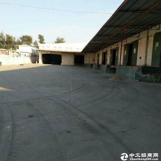 西丽标准物流仓库出租层高12米7800平方带卸货特价