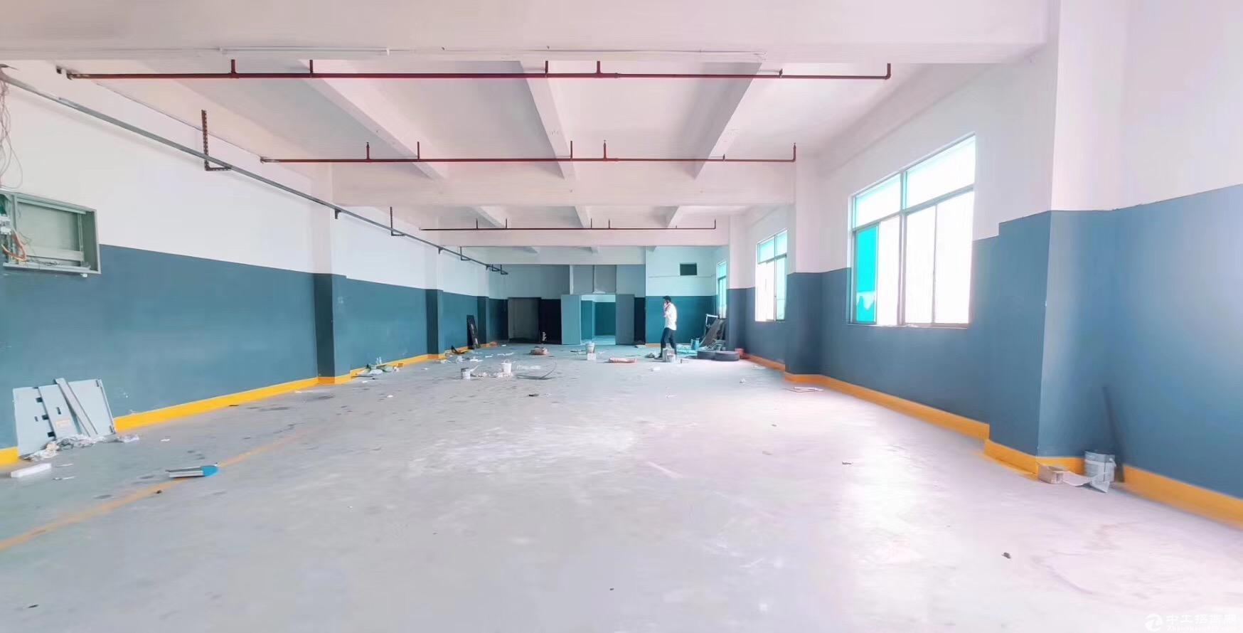 现成豪华办公室+仓库+车间,坪山大工业区楼上500平厂房招租