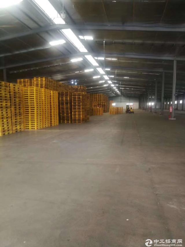 观澜新出带卸货平台钢构2500平,可做物流仓库