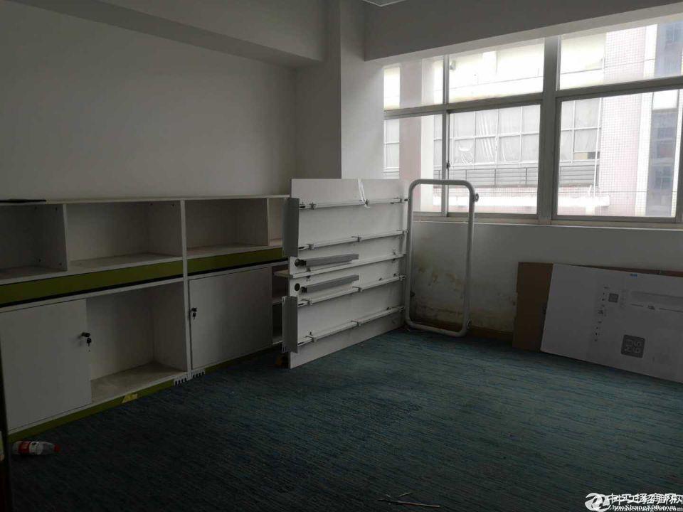 观澜章阁桂月路旁新空出三楼600平带装修厂房办公室出租