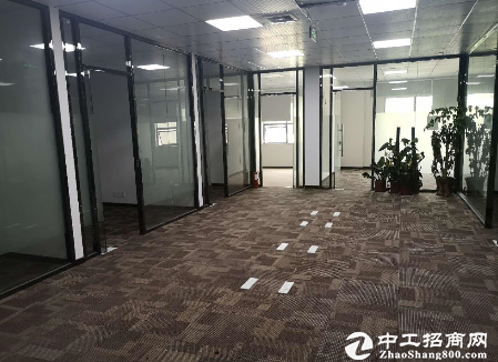 民治上塘地铁口新出360平米精装修厂房仓库招租