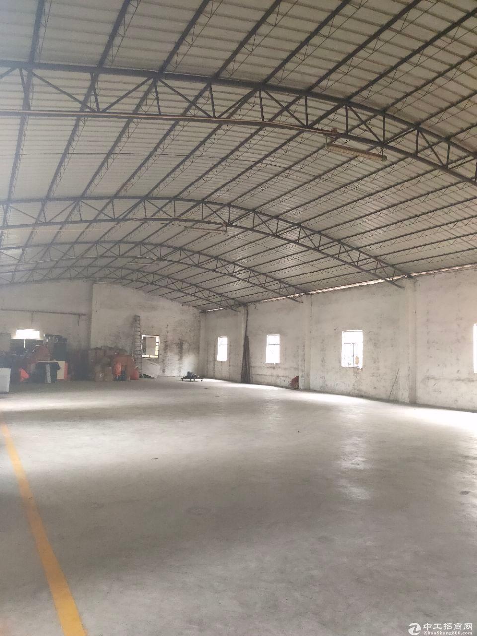 北太路附近新出单一层砖墙到顶  独院厂房出租。