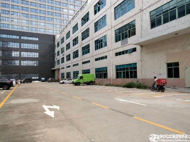 平湖富民工业区3层独院5000平方厂房仓库出租