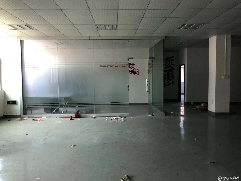 南联地铁站边电商办公仓库整层1200平带装修办公室和前台出租