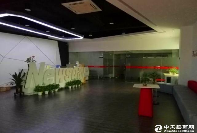 坂田杨美地铁站附近1200平方精装修电商厂房办公室出租交通好