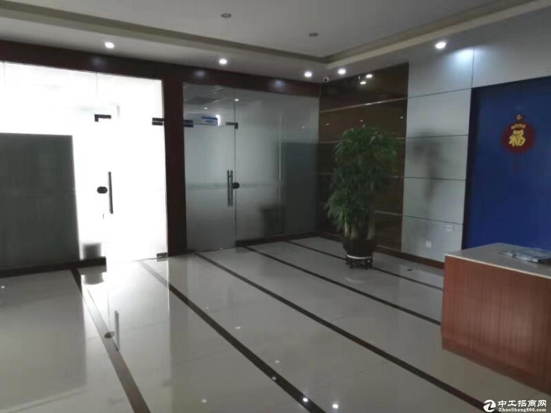 坂田杨美地铁口楼上带装修办公室加仓库1530平厂房出租