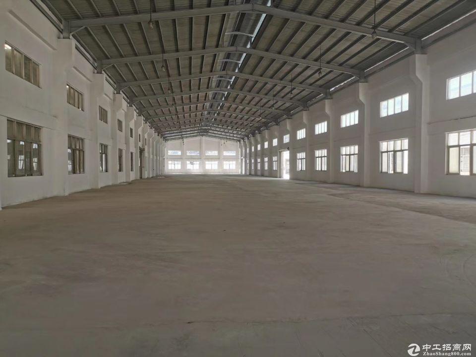 龙华观澜镇22000平方花园式单一层独院仓库招租,面积大小可分。