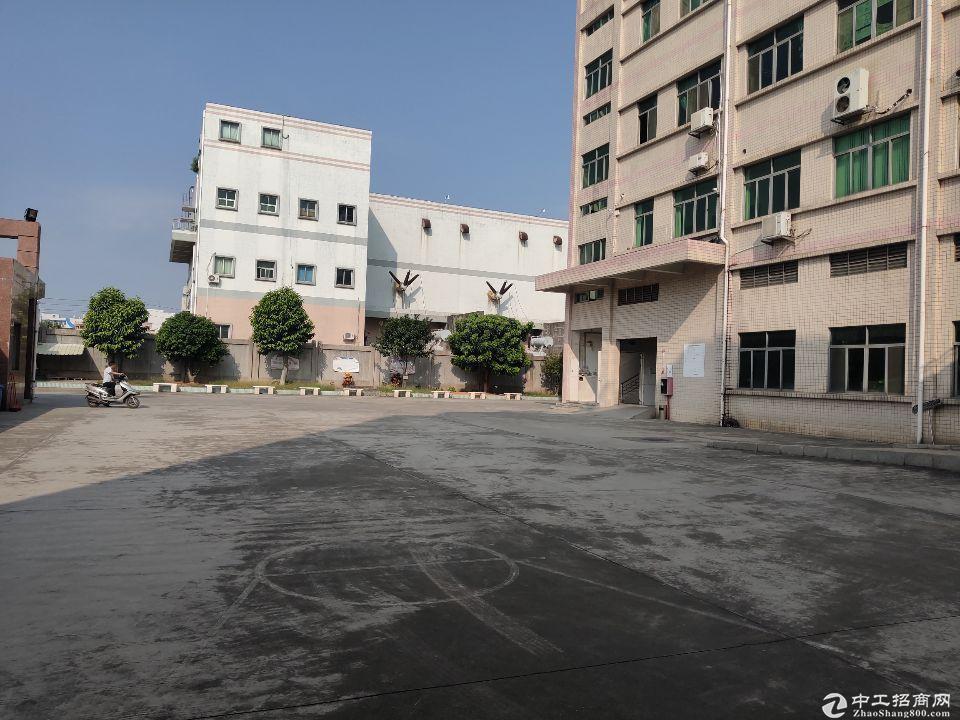 厚街镇赤岭村靠近南城原房东分租标准厂房3楼4楼各1500平出租,形