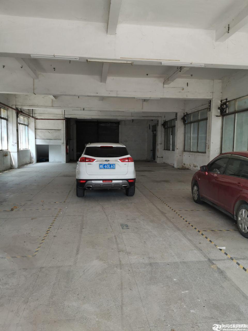 番禺谢村地铁口新出标准一楼500平米厂房招租