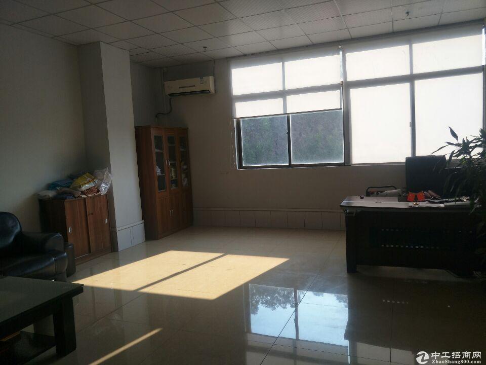 清溪镇厦坭930平实际面积带办公室厂房出租,装修新