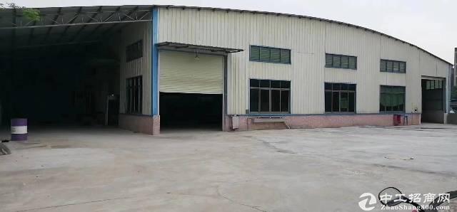 厚街镇宝塘村新出厂房仓库2600方出租,形象好价格便宜