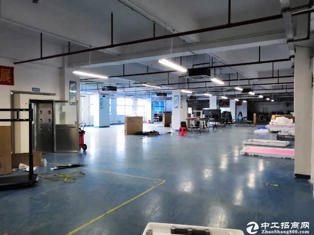 石岩第二工业区2楼实际面积1200平带前台装修厂房招租
