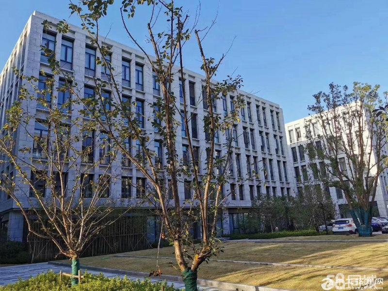 平湖全新三层独栋厂房2400方 有花园有饭堂有宿舍