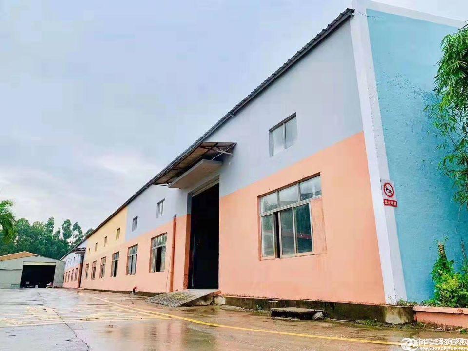 龙华独门独院单层厂房面积2700平一楼带阁楼出租报价27