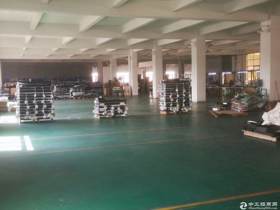 新塘独院标准厂房一楼二楼2500平方出租,带装修,形象好