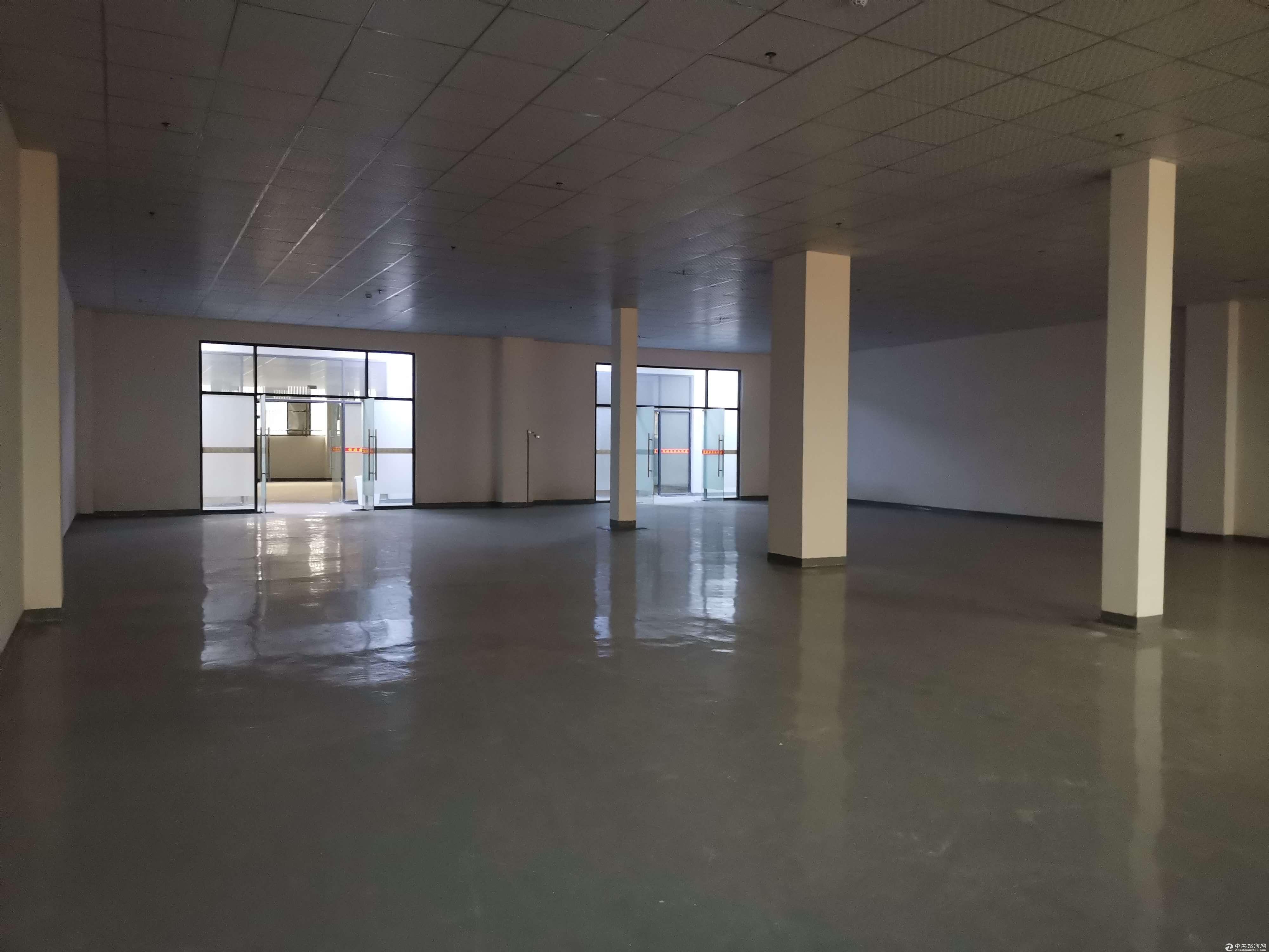 凤岗楼上全新300平方可做办公小加工仓库拎包入驻