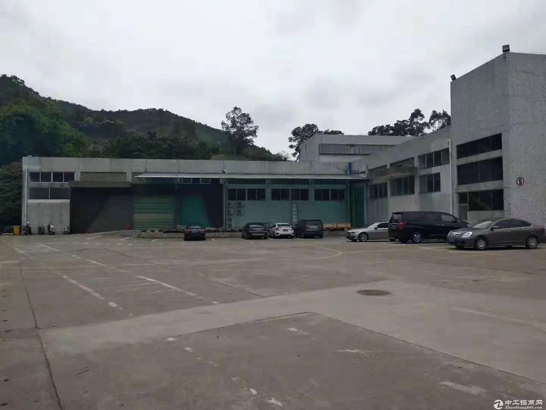 石岩超高一楼仓库8米高1300平出租,带卸货平台