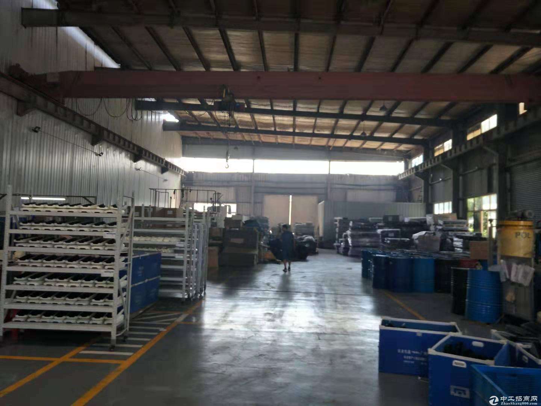 蔡甸地铁口钢构厂房900平米,带行车,配套办公食堂宿舍。整租