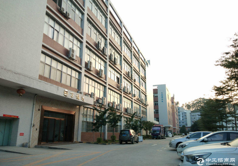 龙大高速出口附近,红本厂房仓库出租1000至5000平