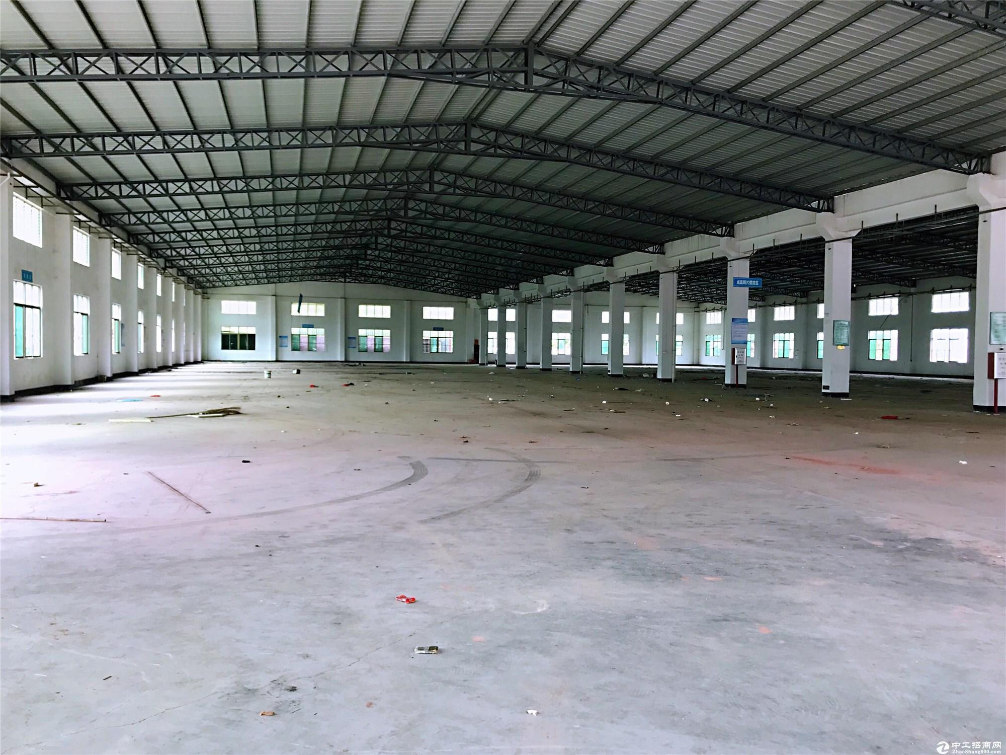 勒流靓盘钢构26000平高12米物流仓库空地超大