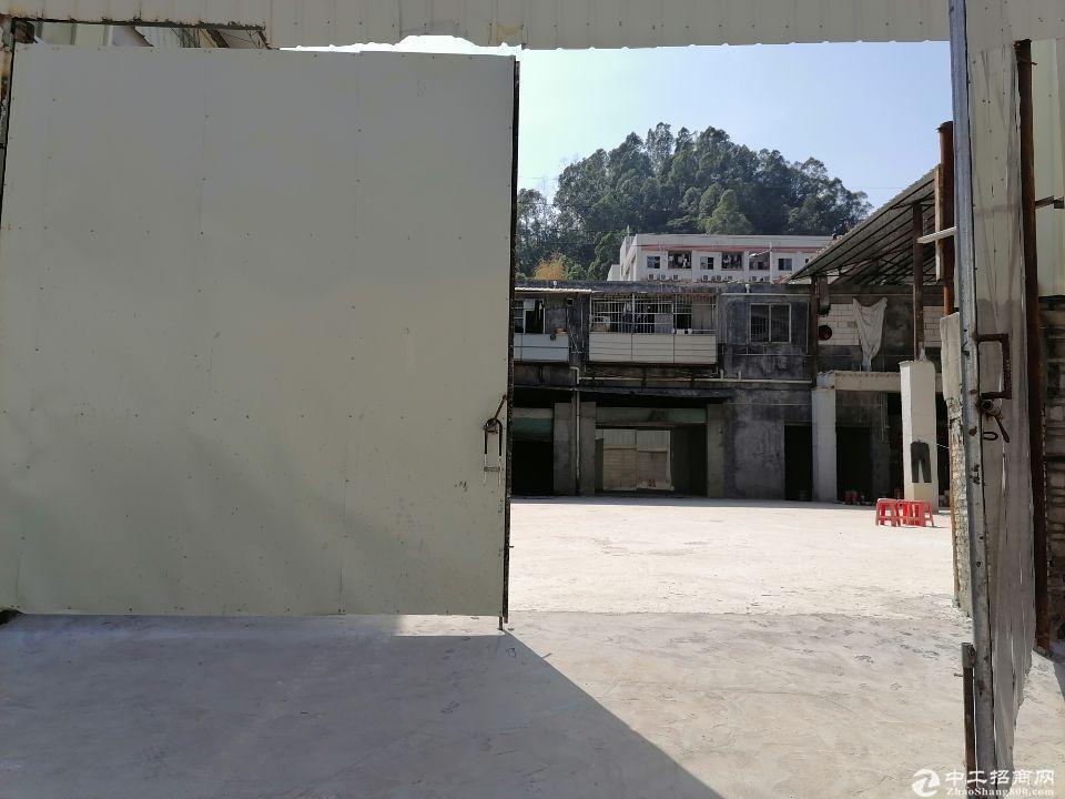 广州市天河区龙洞新出单一层仓库1500平,可做废品回收