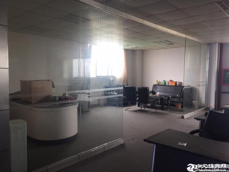 坂田上雪科技园2万平方仓库厂房出租200起分租求租带红本可分