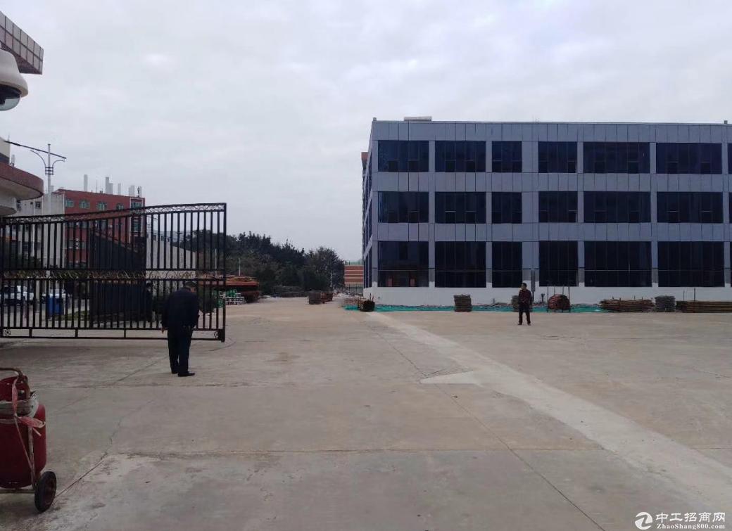 横岗安良工业园8800平红本厂房仓库可分租