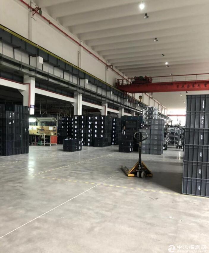鱼嘴工业园标准重型行车厂房4000平米