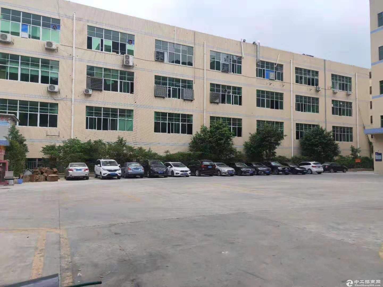 平湖工业园,厂房仓库,一楼2000平方,可分租,