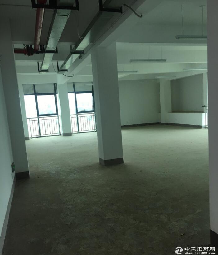 渝北龙兴工业园钢结构四楼出租930平米带办公室标准厂房出租
