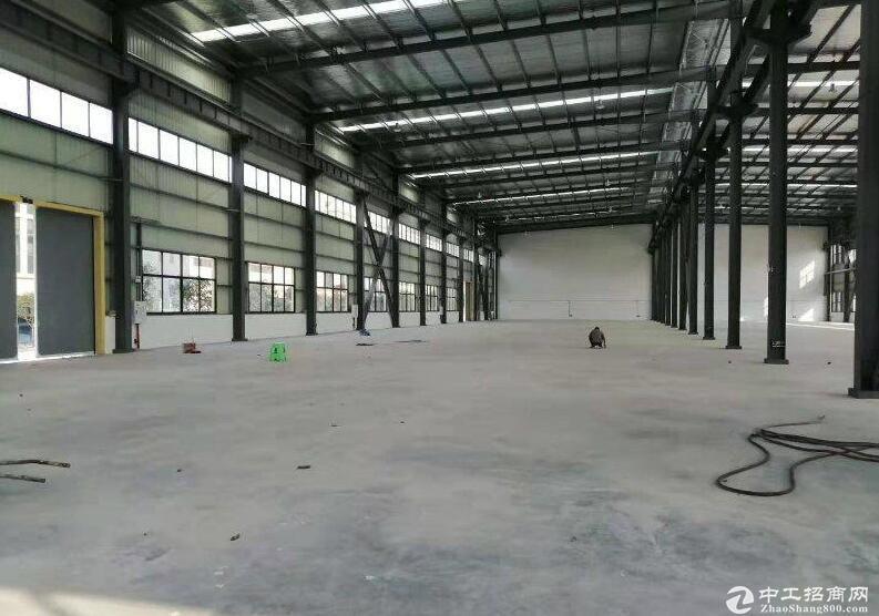 西彭全新独栋厂房出租 层高12米 250KVA变压器