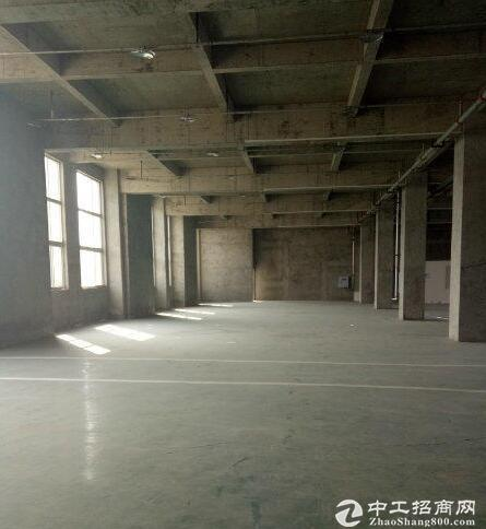 五菱工厂旁,厂房出租2000平米 二层