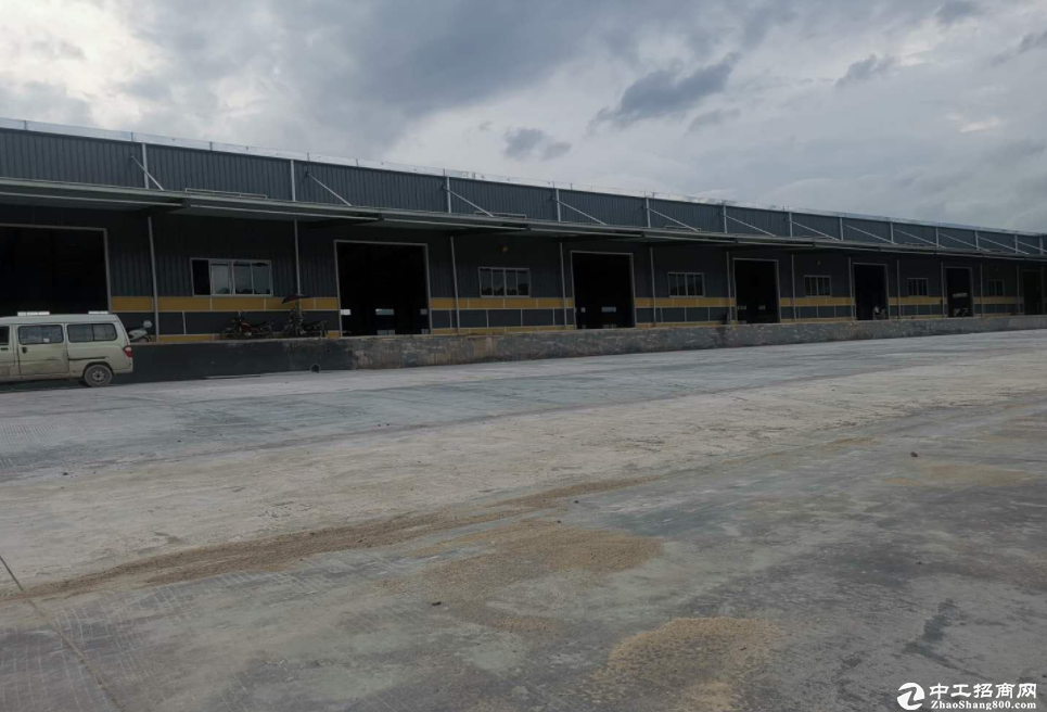深圳坪山便宜出售构结钢厂房 厂房面积9400㎡,8米高