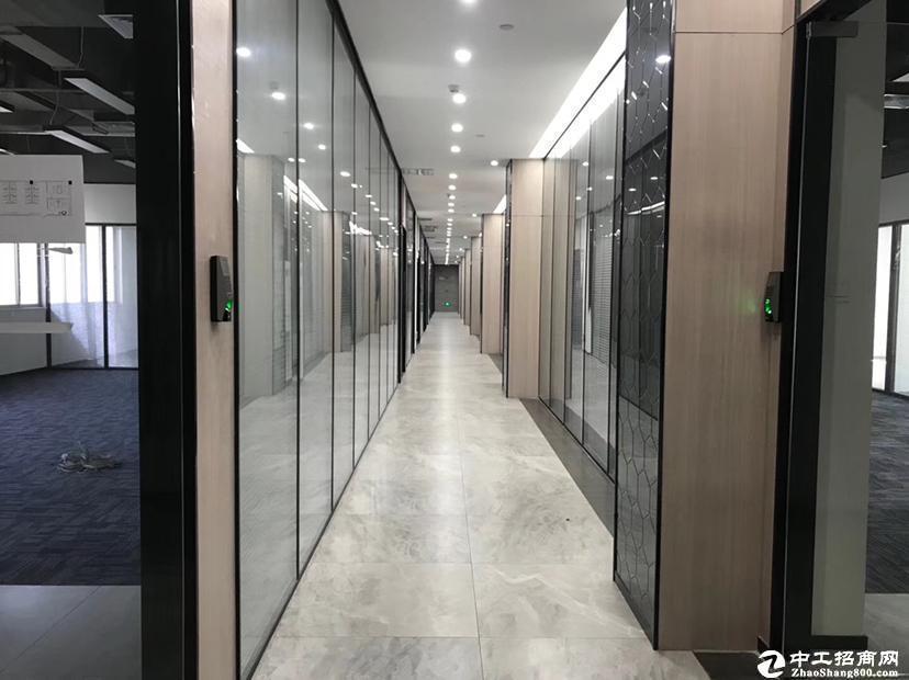 西丽地铁口新出楼上1000平厂房租金38元可做办公生产仓库