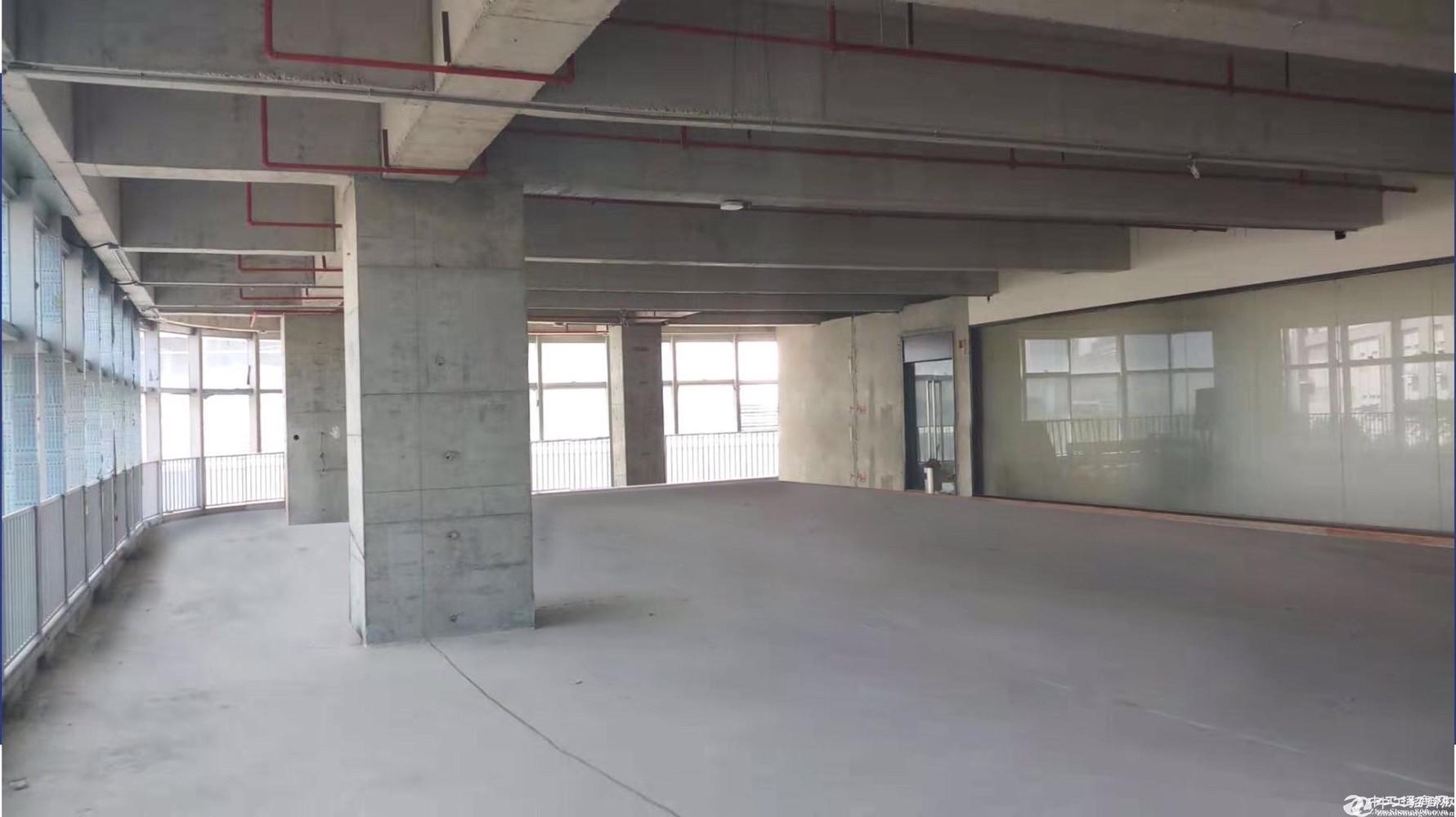 石岩全新红本厂房24000平,500平起售首付5成证件齐全