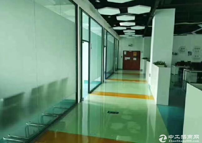 西丽地铁口附近新出楼上整层2100平方厂房出租空地