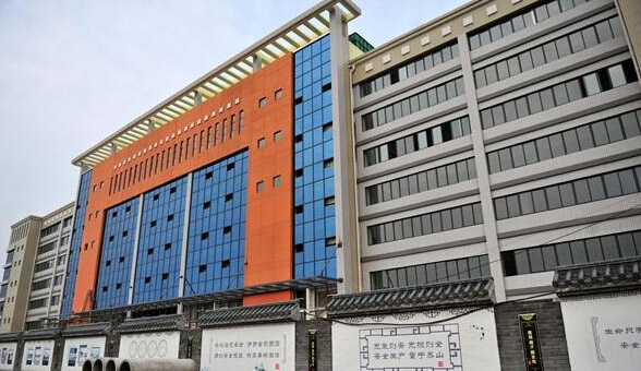 乐天溪镇标准厂房建成投产 民众有望实现在家就业