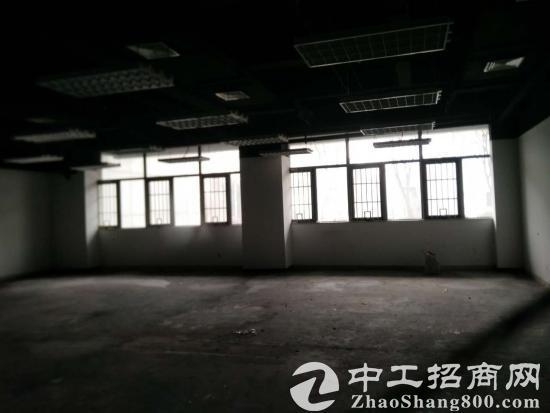 地铁沿线亦庄永昌工业园区新出写字楼面积灵活采光效果好