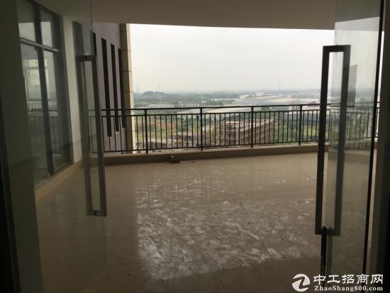 火热招租!光谷芯中心魔方大楼带装修373平写字楼!!!