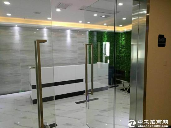 横岗地铁站旁边新出278平方精装修办公室3+1格局招租