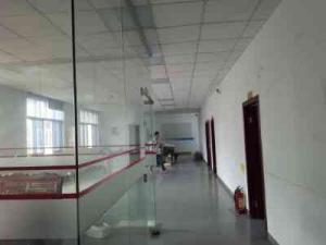 石岩汽车站附近工业园200米带装修的标准厂房