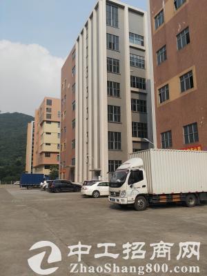 宝安机场附近楼上2000平米仓库优惠出租