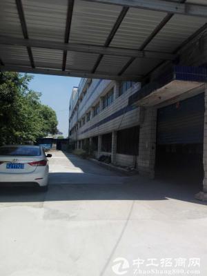 东湖塘独立三层厂房5600平,有办公有宿舍有货梯,