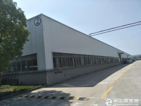 重固镇 多栋单层3500平仓库出租、可分割、场地大 QJ90505