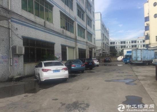黄江靠近深圳二楼原房东1200平厂房出租